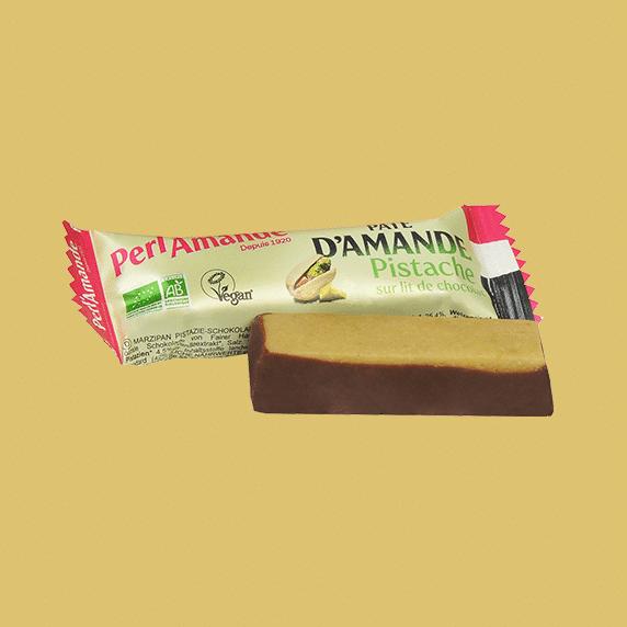 Barre Pâte d'Amande Pistache sur lit chocolat