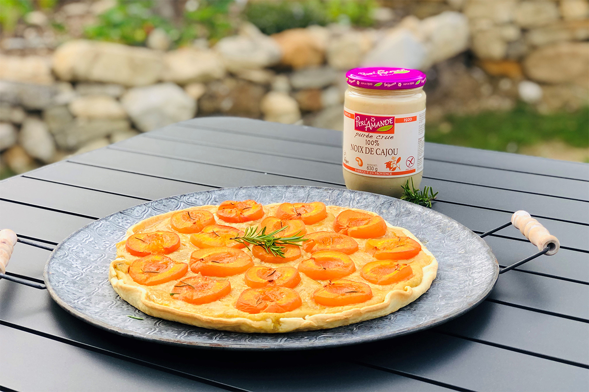 Tarte aux abricots - romarin à la purée crue de noix de cajou