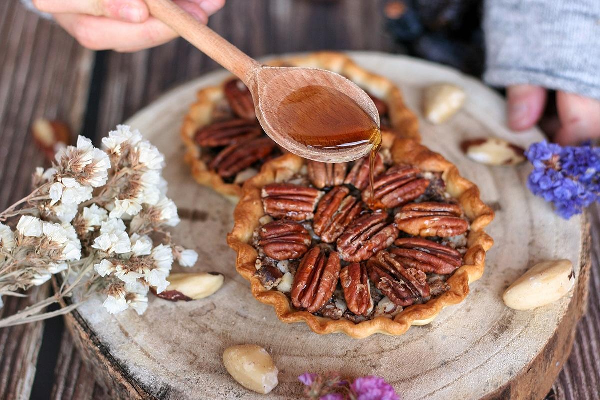 Tarte noix de pécan à la douceur noisette @plante ton assiette