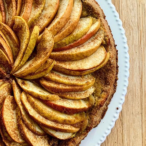 Tarte aux pommes à la purée et lait d'amande by YoodbyOrnella