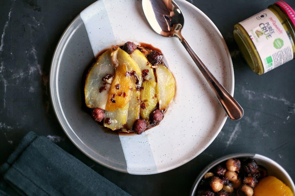 Tartelette poire-chocolat à la purée crue de pistache by Plante ton assiette