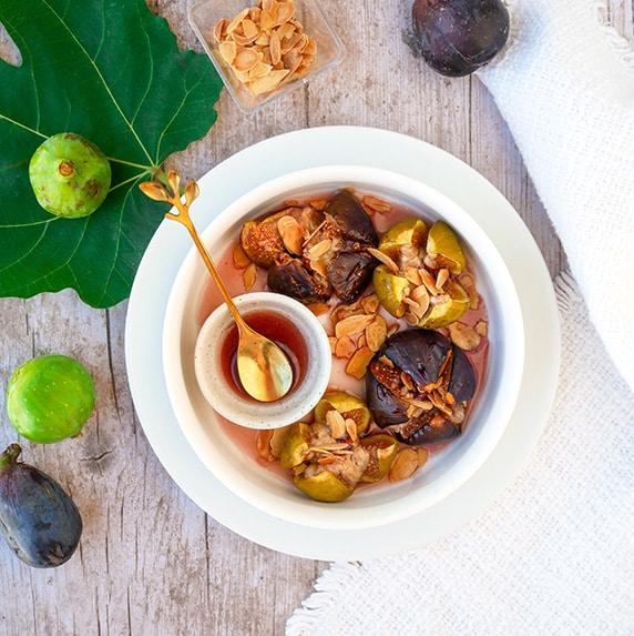 Figues rôties à la purée d'amande figue lucuma by Happy and veggy