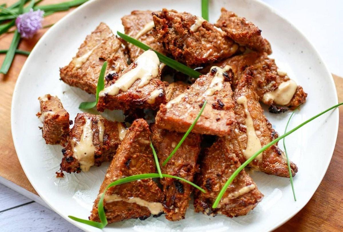 Tempeh à la purée cacahuète toastée by Happy and veggy